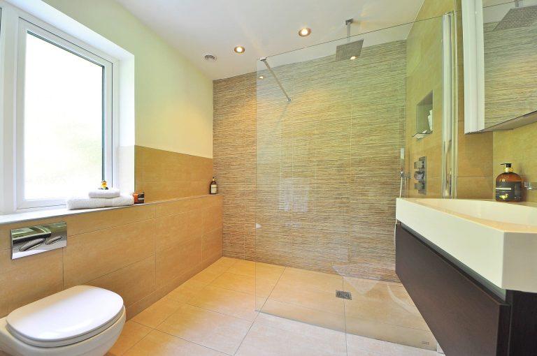 Sicherheit und Komfort durch ein barrierefreies Bad