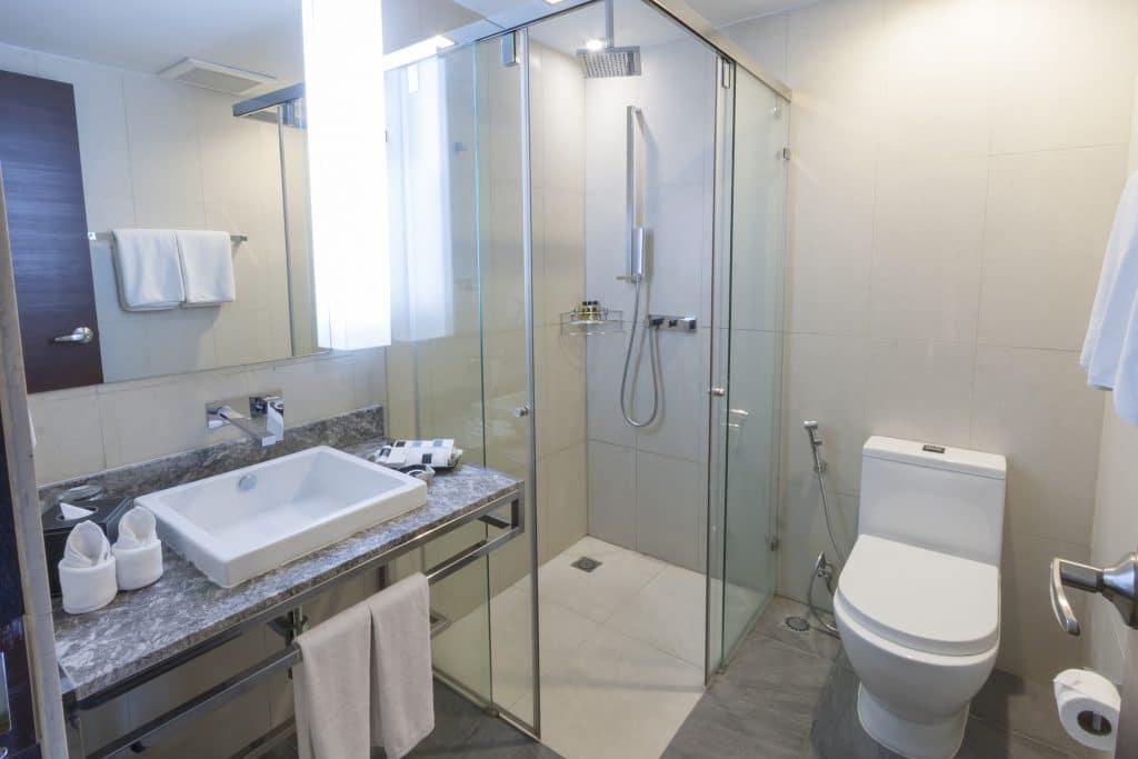 Kleines Badezimmer gestalten mit bodengleicher Dusche